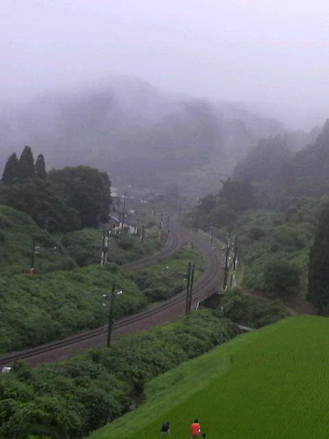 雨の倶利伽羅峠
